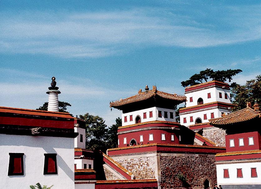 世界文化遗产-避暑山庄外八庙之普宁寺一角